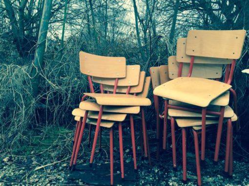 rood rode vintage schoolstoel vintage kantine stoel chaise vintage écolier GoodStuffFactory