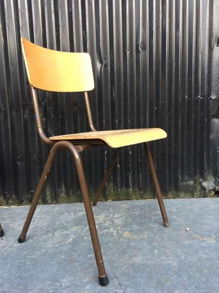 vintage retro kantinestoelen chaise ecole brune bruin lot brocante_GoodStuffFactory