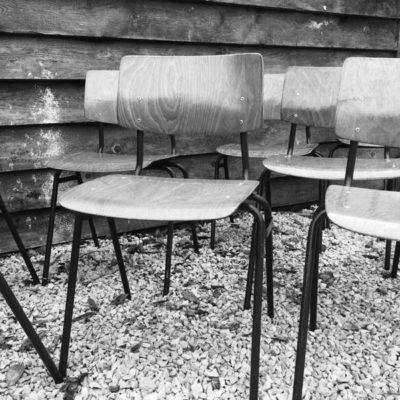 Marko Veendam schoolstoel of kantinestoel plywood obo eromes_GoodStuffFactory