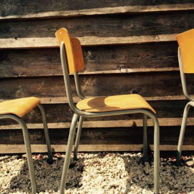 stapelbare industriele kantine stoelen vintage retro _GoodStuffFactory