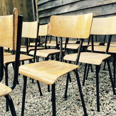IJZEREN FRAME ZWART NOIRE schoolstoelen vintage retro lofty_GoodStuffFactory