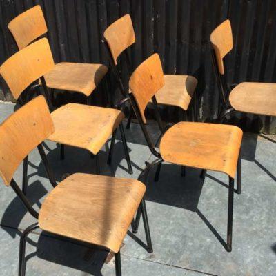 retro vintage frame noire black zwart vintage stapelstoel chaise empilable