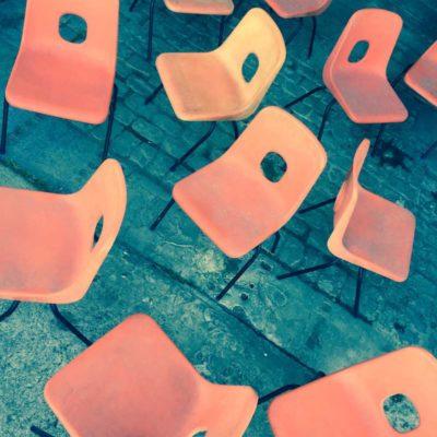 vintage terrasse exterieur orange oranje stpalestoel hille GoodStuffFactory