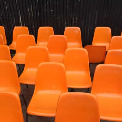 HORECA TUBAX kuipstoel stapelstoel oranje orange kantine cafe industriel vintage retro_GoodStuffFactory