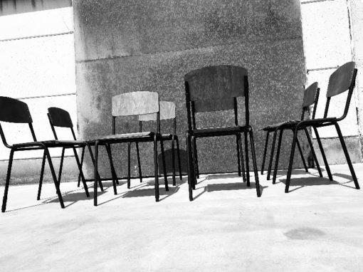 iso wood vintage stoel horeca zwart frame noire_thegoodstufffactory