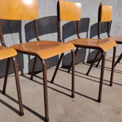 houten vintage kantine stoelen_thegoodstufffactory_be