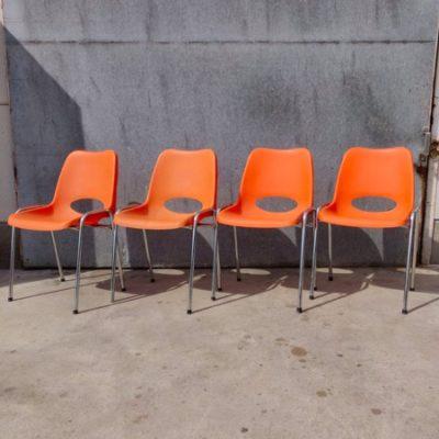 oranje retro stoelen_thegoodstufffactory_be