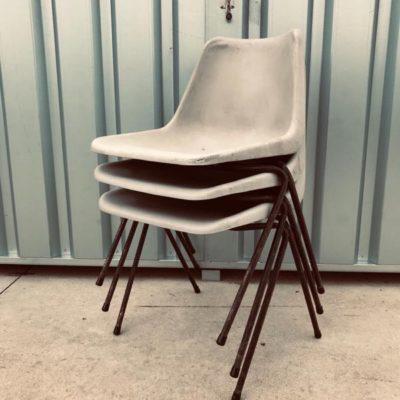 HILLE ROBIN DAY MADE BY TECNO MILANO jachetebelge terrace terras buiten exterieur horeca cafe canteens industrial cowork space chair stoel_thegoodstufffactory_be