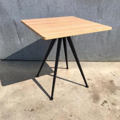 HAY pyramid cafe 21 table tafel bistro new vintage remake horeca_thegoodstufffactory_be
