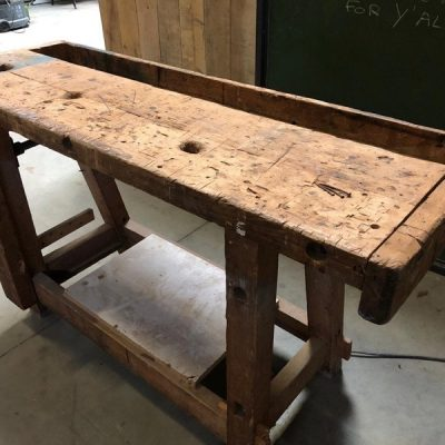werkbank tafel marron bruin cowork hospitality interior industrial raw materials retro vintage upcycled_thegoodstufffactory_be