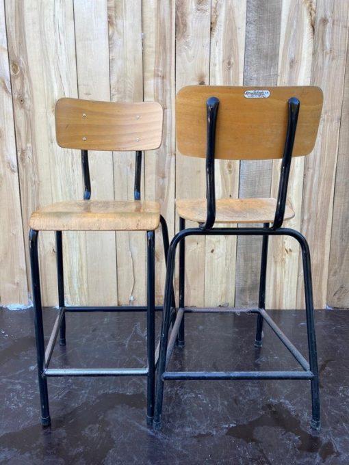 la toupie vintage zwart kookeiland toog hoge stoelen tabourets stools krukken project furniture cowork_thegoodstufffactory_be