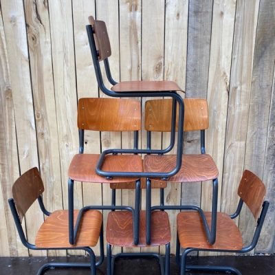 ahrend de cirkel sledestoelen exterieur terras horeca tafels tables couverts retro vintage nostalgie ostalgie school_thegoodstufffactory_be