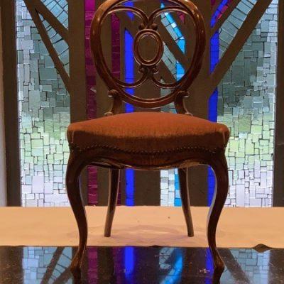 houten sculptuur industrial antiques ostalgie retro chair chaise stolar_thegoodstufffactory