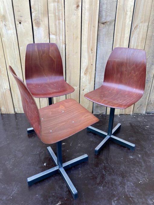 pagholz 18 stuks kruisvoet co work space stoelen vintage retro_thegoodstufffactory