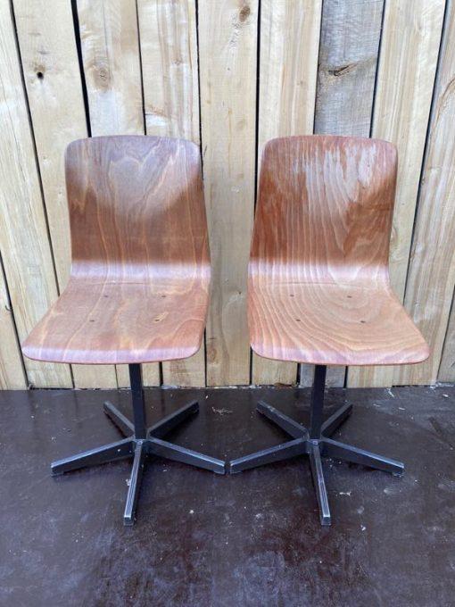pagholz lichte versie kruisvoet co work space stoelen vintage retro_thegoodstufffactory