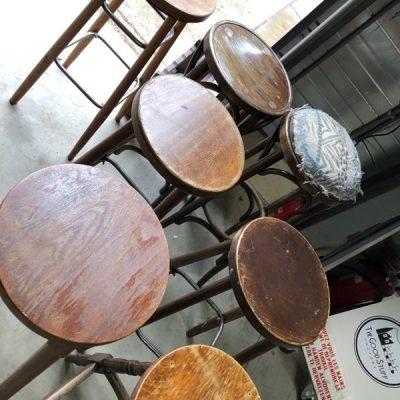 barkruk massief hoog cafetafel retro vintage ostalgie_thegoodstufffactory_Be