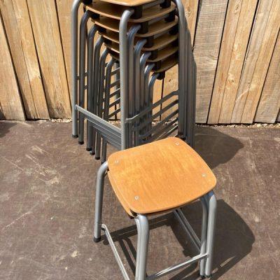 kruk tabouret industrial antiques retro vintage ostalige stolar canteens_thegoodstufffactory_be