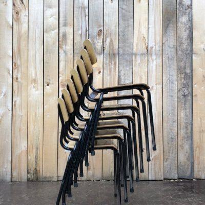 zwarte bokkepoot stoel toffe lijnen retro vintage chine du jour ostalgie stolar antiques belgium_thegoodstufffactory_be