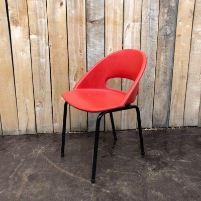 space age stoel red rood industrial antiques antics seventies retro preloved boho vintage_thegoodstufffactory_Be