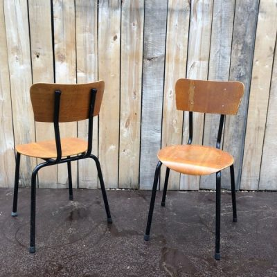 zwarte noir stoel chaise industrial antiques antics seventies retro preloved boho vintage_thegoodstufffactory_Be