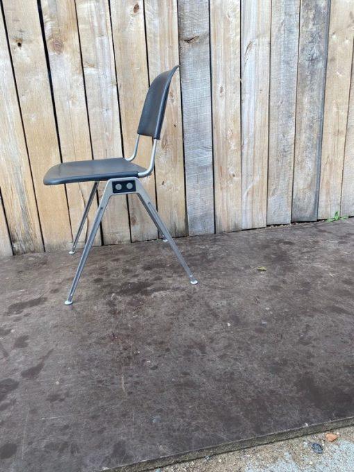 Duitse stoel Don albinson knoll international model 1601 _thegoodstufffactory
