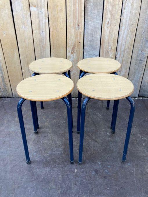 blue stool canteen stolar cafeinredning horeca interieur _thegoodstufffactory