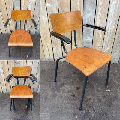 https://the-good-stuff-factory.be/product/raw-vintage-upcycled-kantinestoelen-25-op-voorraad/